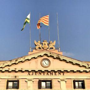 Cs Sabadell pide al gobierno municipal que reponga las banderas española y europea en la fachada del Ayuntamiento