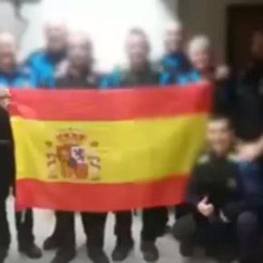 Ciutadans (Cs) Sabadell defensa als policies expedientats per fotografiar-se amb la bandera espanyola
