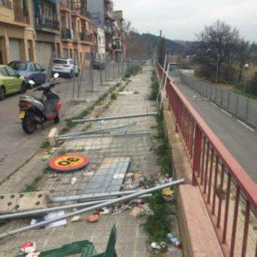 Ciudadanos (Cs) Sabadell denuncia el peligro en el muro de la calle de Onyar de Torre romeu
