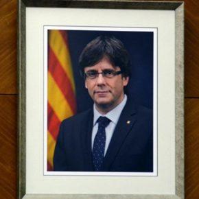 Ciudadanos (Cs) Sabadell reclama la retirada del retrato de Carles Puigdemont de la sala de plenos municipal