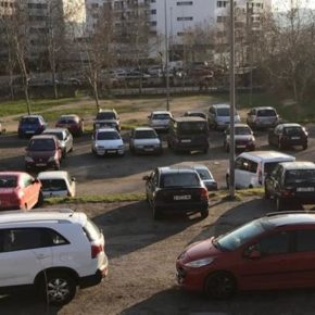 Ciudadanos (Cs) Sabadell reclama acondicionar el solar y el parque infantil de la calle Sarasate de Cifuentes