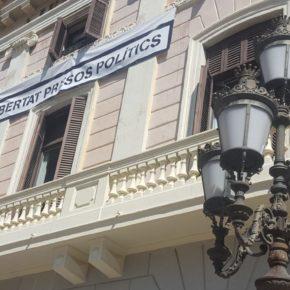 """Ciudadanos (Cs) Sabadell critica el """"silencio cómplice"""" de Guanyem Sabadell y Unitat pel Canvi en la petición de la retirada de símbolos partidistas de los edificios públicos"""
