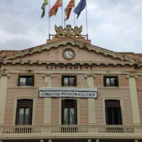 Ciudadanos (Cs) Sabadell pide a la Junta Electoral la retirada de símbolos partidistas de la fachada del Ayuntamiento