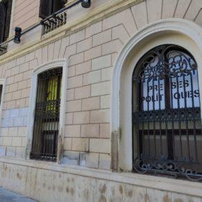 Ciutadans (Cs) reclama a l'alcaldessa Farrés que retiri la simbologia separatista de la façana de l'ajuntament de Sabadell